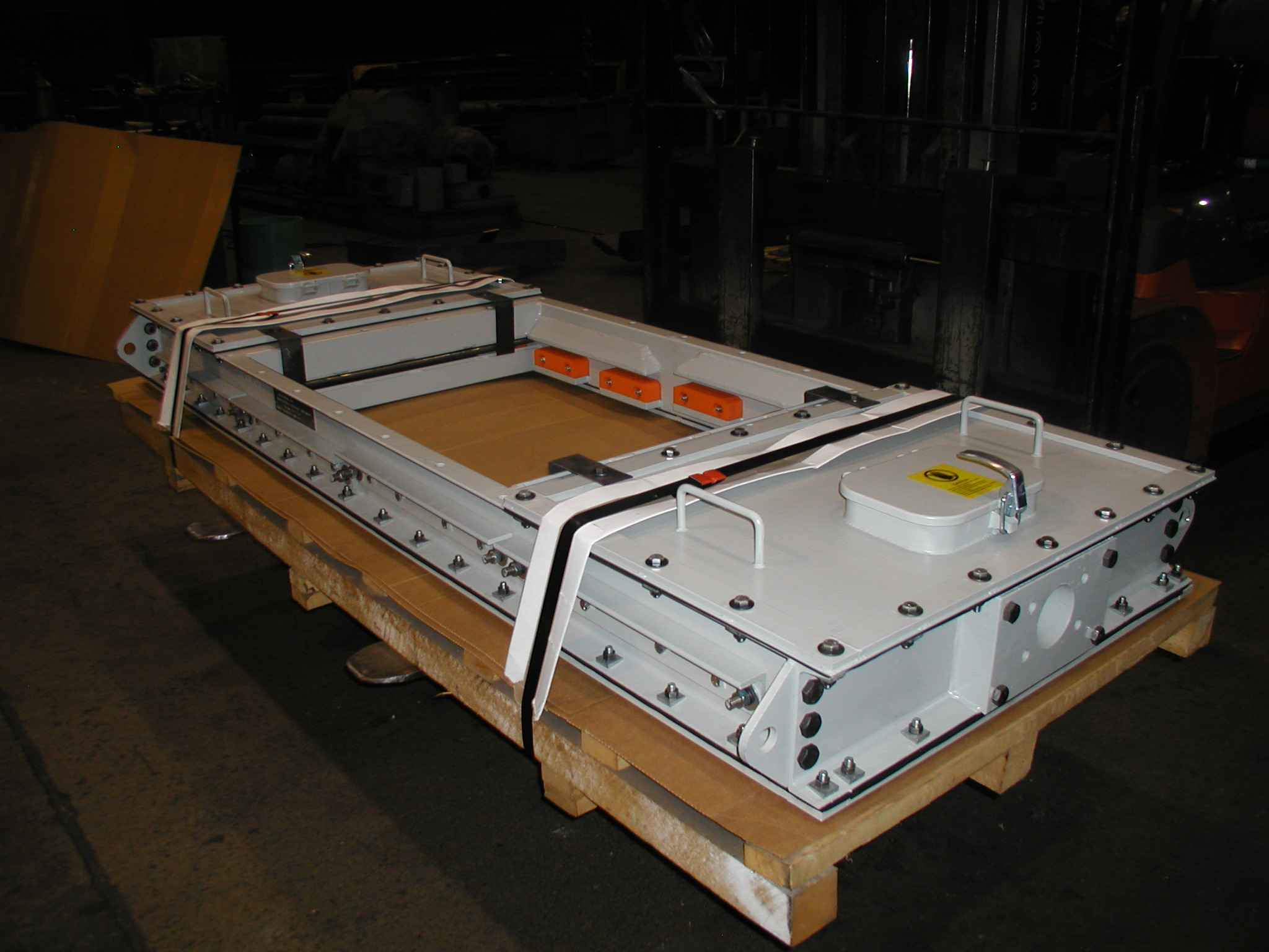 Slide Gate Hydraulic Bi-Parting Sealed on Pallet